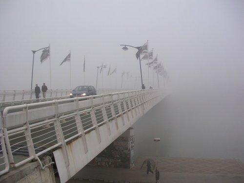 niebla en el puente. martin_javier