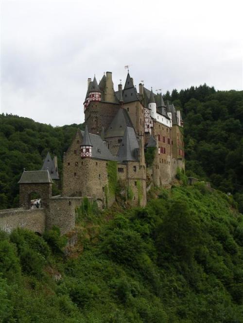 Castillo Eltz - Burg Eltz - Münstermaifeld - Alemania.