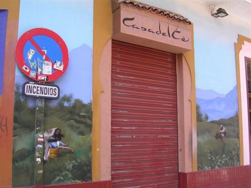 Casa del té (III). Grafiti 123.