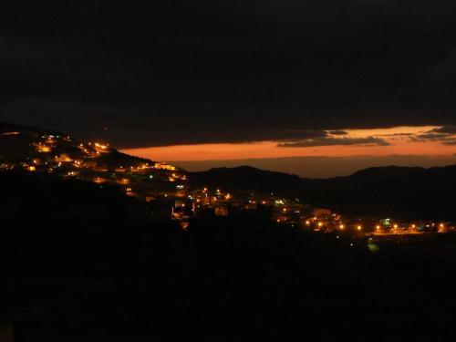 Atardecer en Wadi Musa, próximo a Petra - Jordania. Foto martin_javier.