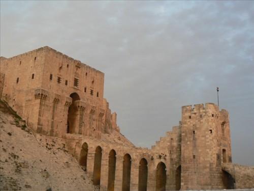 Ciudadela de Aleppo (s. XIII). Puente de entrada. Siria.