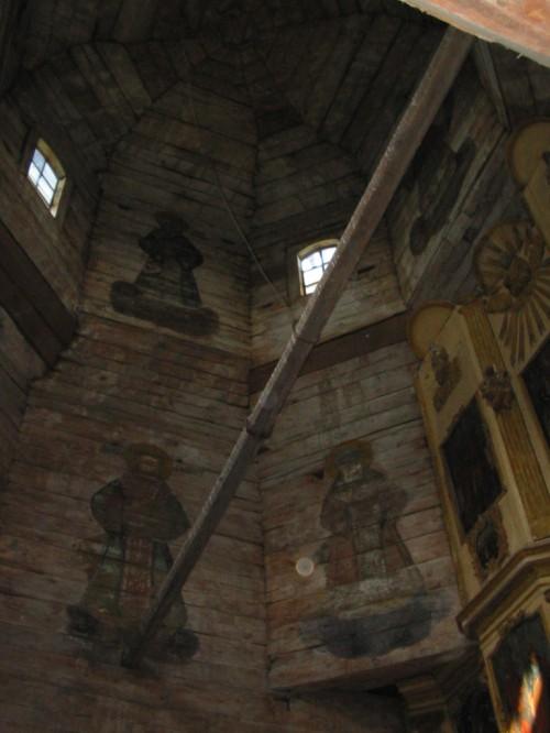 Frescos en el interior de una iglesia de madera. Súzdal - F. Rusia
