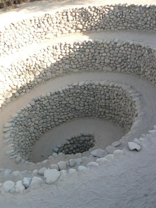 Fotos de los Acueductos Subterráneos de Nazca - Perú. Foto por martin_javier