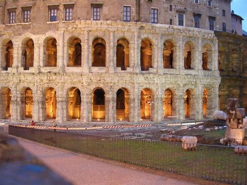 Foto del Teatro de Marcelo en Roma - Italia. Foto por martin_javier.