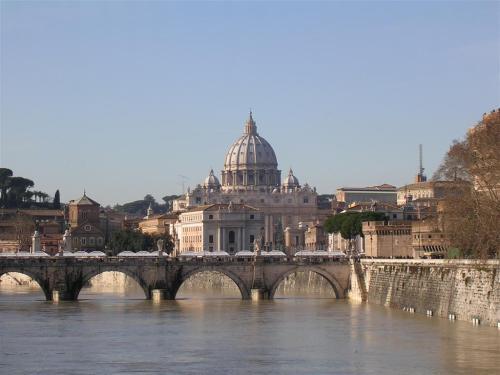 Foto del Puente Sant'Angelo en Roma - Italia. foto por martin_javier