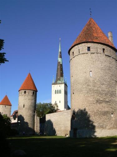 Fotos de las torres y murallas de Tallin - Estonia. Foto por martin_javier