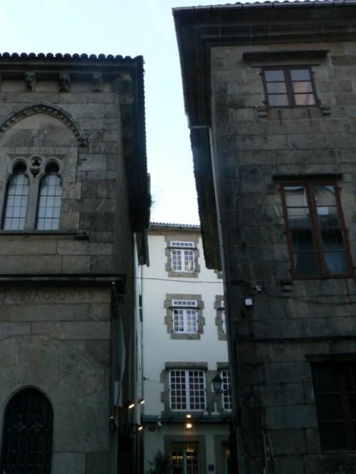 Fotos de la Casa Gótica en Santiago de Compostela - España. Foto por martin_javier