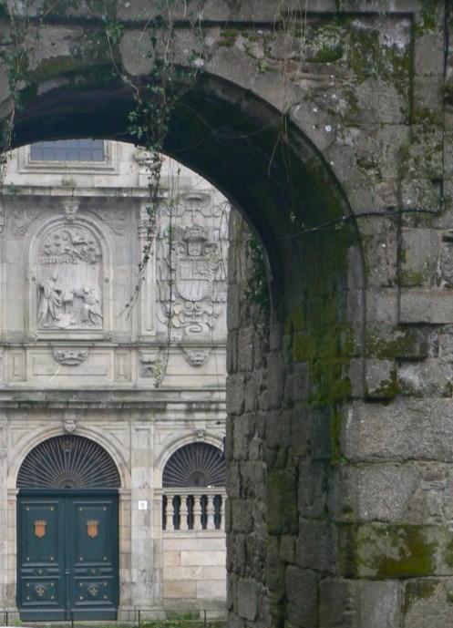 Fotos del Arco de Mazarelos en Santiago de Compostela - España. Foto por martin_javier