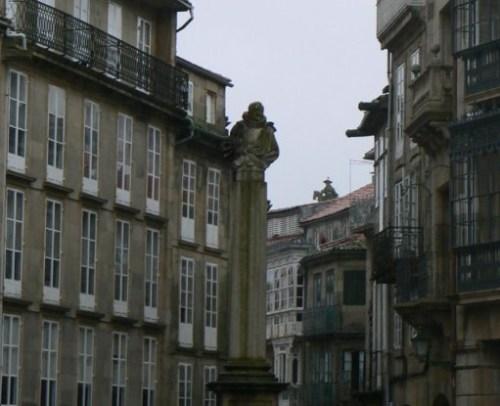 Fotos de la Plaza Cervantes en Santiago de Compostela - España