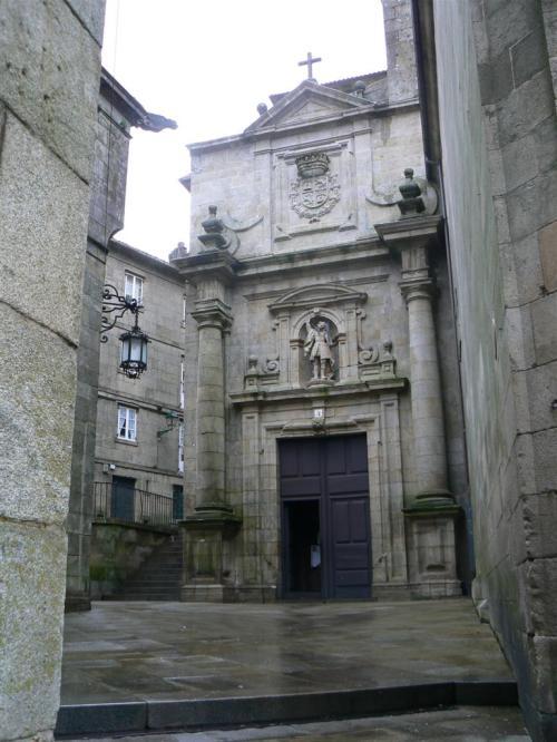 Fotos del Monasterio e Iglesia de San Paio de Antealtares en Santiago de Compostela - España. Foto por martin_javier