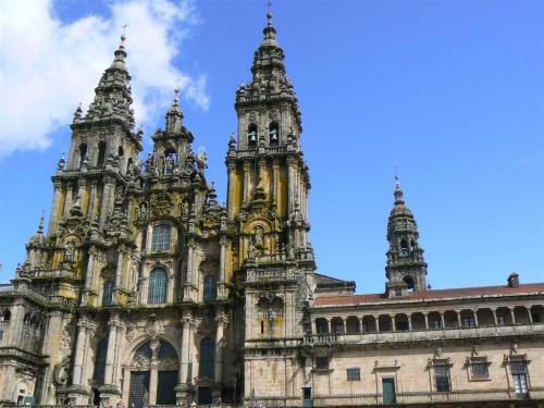 Fotos de la Catedral de Santiago de Compostela - Fachada de la Plaza del Obradoiro - España. Foto por martin_javier