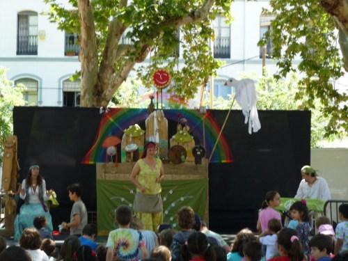 """Fotos del espectáculo """"no nos moverán"""" de la compañía Tirititeros de Binéfar en Sevilla"""