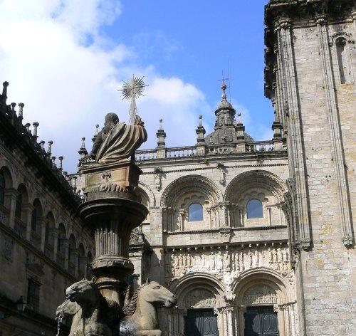 Fotos de la Catedral de Santiago de Compostela - Fachada de la Plaza de Platerías - España. Foto por martin_javier