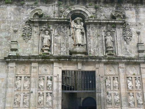 Fotos de la Catedral de Santiago de Compostela - Puerta Santa – Fachada de la Plaza de la Quintana – España. foto por martin_javier