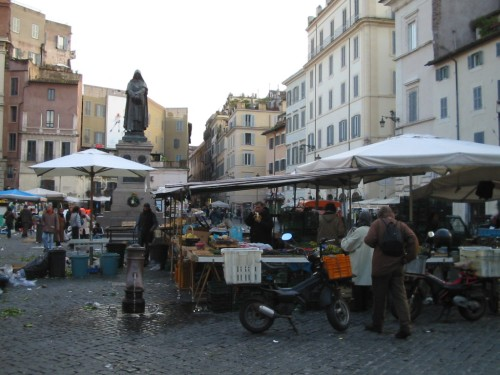 Fotos de Campo de' Fiori de Roma - Italia. Foto por martin_javier