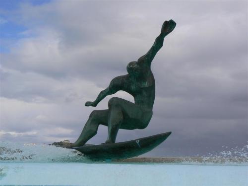 Fuente de los surfistas en A Coruña. Foto por martin_javier