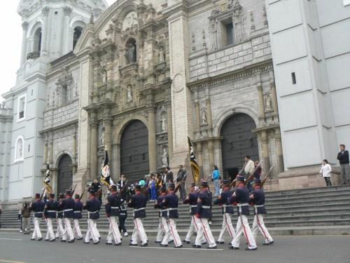 Fotos de la Basílica Catedral de Lima y Primada del Perú. Foto por martin_javier
