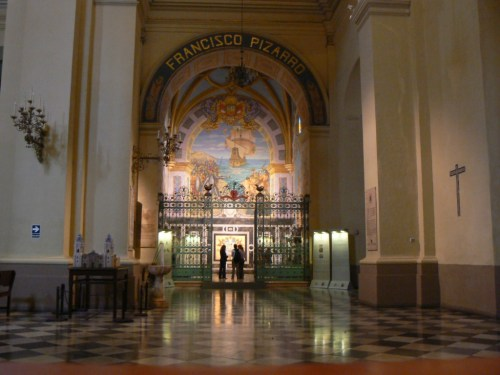 Fotos de la tumba de Francisco Pizarro - Catedral de Lima - Perú. Foto por martin_javier