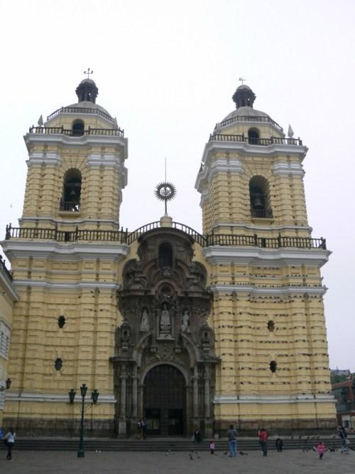 Fotos de la Basílica y Convento de San Francisco en Lima - Perú. Foto por martin_javier