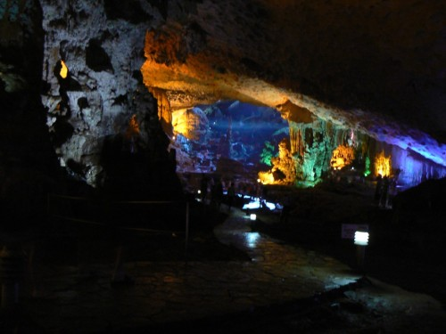 Fotos de la Cueva de Dau de Go Bahía de Halong - Vietnam. Foto por martin_javier