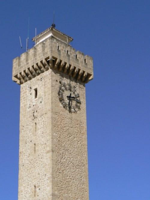 Fotos de la Torre Mangana en Cuenca - España. Foto por martin_javier