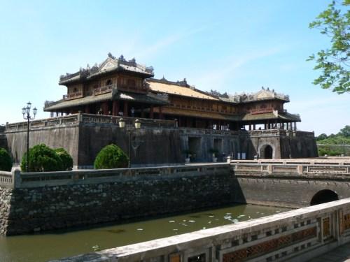 Fotos de la Ciudad imperial: Puerta del Mediodia - Hue - Vietnam. Foto por martin_javier