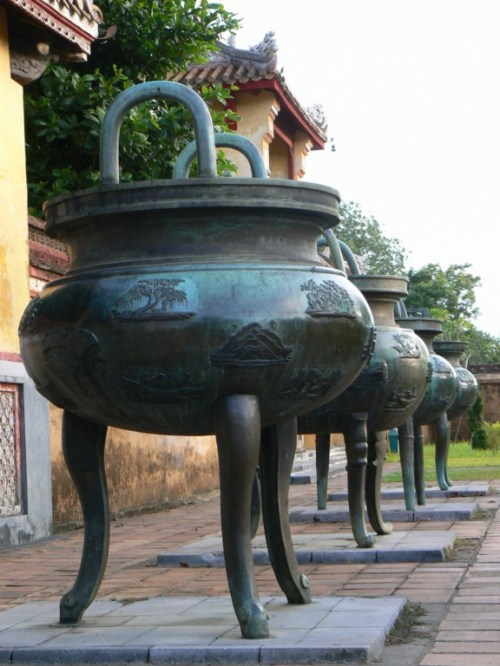 Fotos de la Ciudad imperial: Nueve Urnas - Hue - Vietnam. Foto por martin_javier
