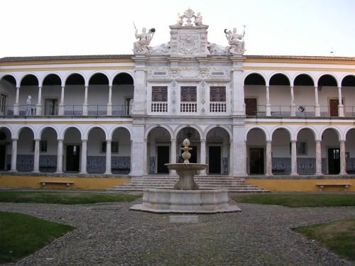 Fotos de la Universidad de Évora - Portugal. Foto por martin_javier
