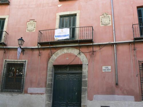 Foto de la Casa de los Clemente de Arostegui del siglo XVII en Cuenca - España. Foto por martin_javier