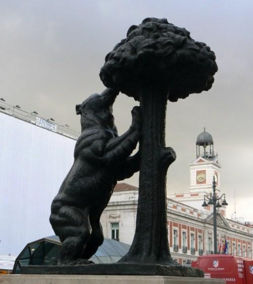 Fotos de la Estatua del Oso y el Madroño. Puerta del Sol de Madrid - España. foto por martin_javier