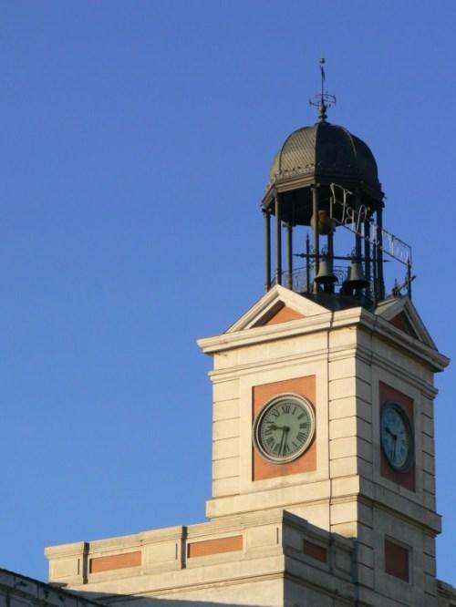 Fotos de la Real Casa de Correos. Reloj de la Puerta del Sol de Madrid - España. Foto por martin_javier