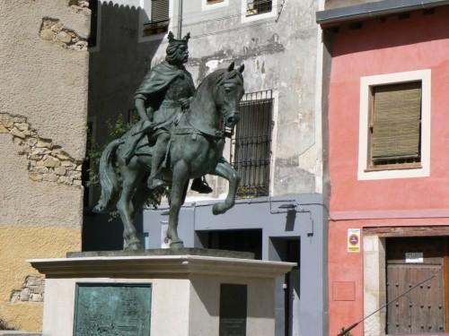 Foto de la estatua ecuestre de Alfonso VIII en Cuenca - España. Foto por martin_javier