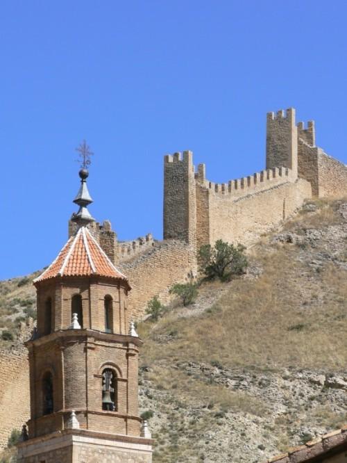 Fotos de la Iglesia de Santiago de Albarracín - España. Foto por martin_javier