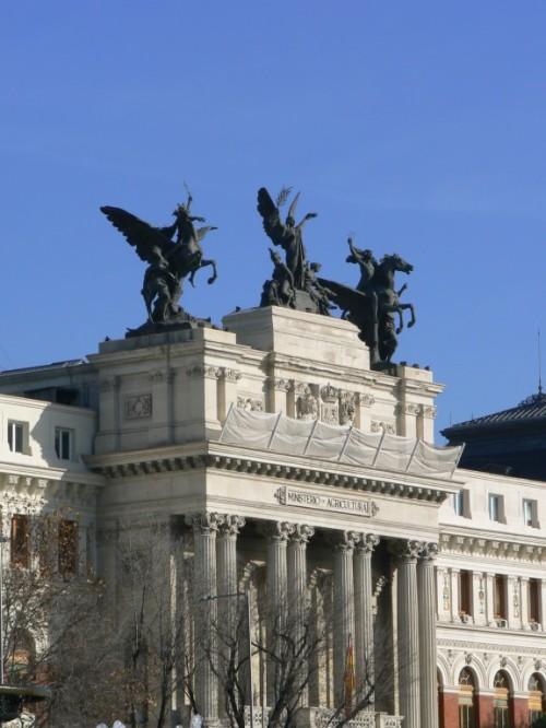 Fotos del edificio del Ministerio de Agricultura - Madrid - España. Foto por martin_javier