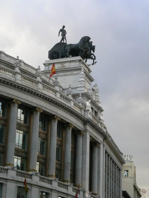 Fotos del edificio Banco Bilbao Vizcaya Argentaria de Madrid - España. Foto por martin_javier