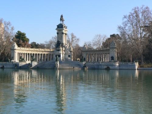 Fotos del Monumento a Alfonso XII en Madrid - España. Foto por martin_javier