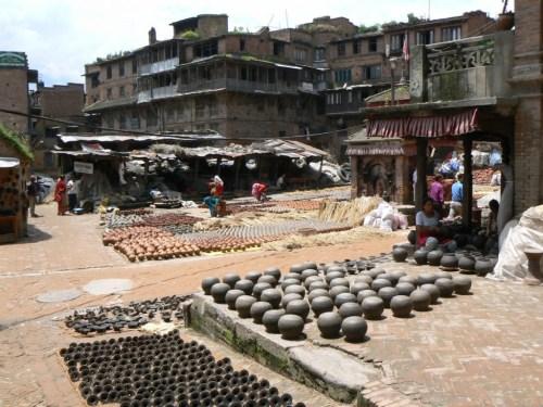 Fotos de la plaza de los alfareros de Bhaktapur - Valle de Katmandú - Nepal. Foto por martin_javier