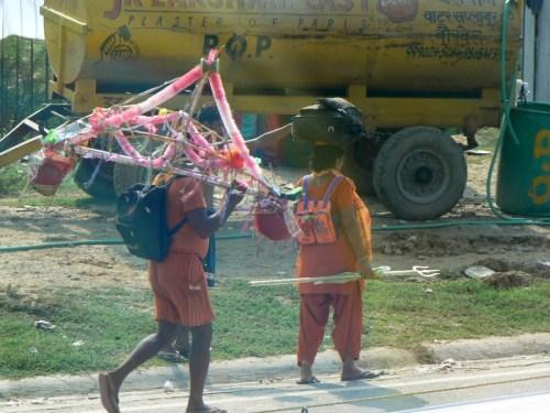 Fotos de peregrinos en la carretera de Delhi a Jaipur - India. Fotos por martin_javier