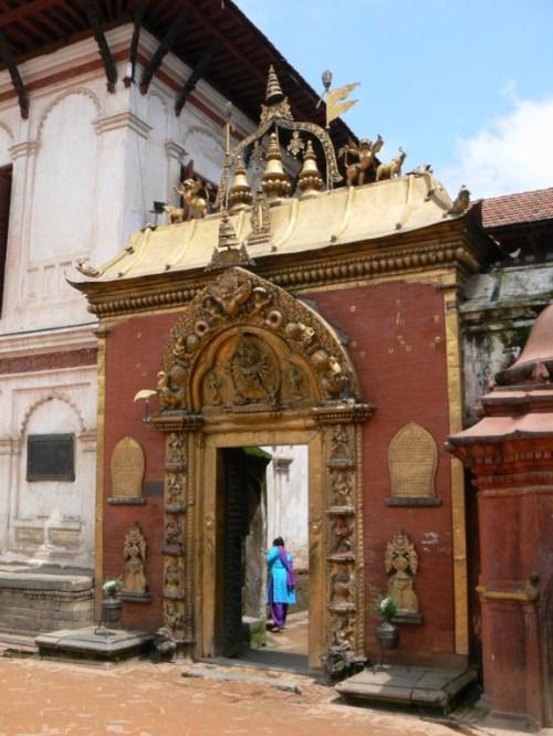 Fotos de la Puerta dorada de Bhaktapur - Valle de Katmandú - Nepal. Foto por martin_javier