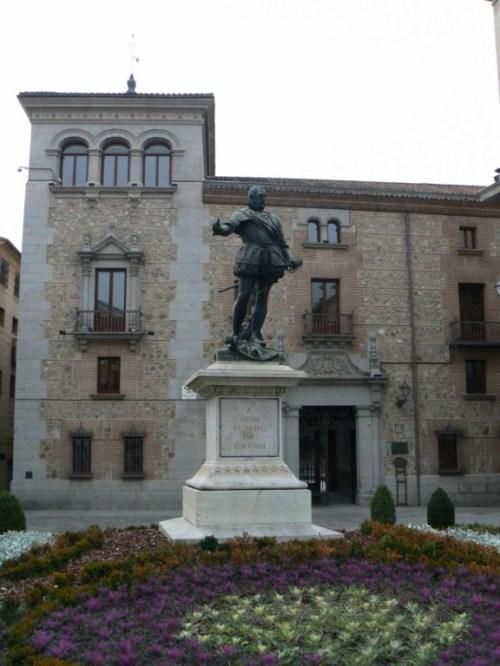 Fotos del Monumento a Don Álvaro de Bazán en Madrid - España. Foto por martin_javier