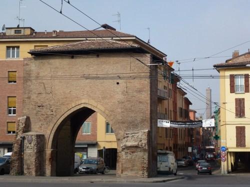 Fotos Puerta de San Vitale - Bolonia - Italia. Foto por martin_javier