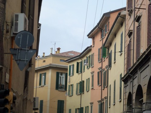Fotos Vía Giuseppe Petroni - Bolonia - Italia. Foto por martin_javier