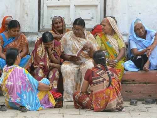 Foto Lectora en la Plaza Durbar de Katmandú - Valle de Katmandú - Nepal. Foto por martin_javier